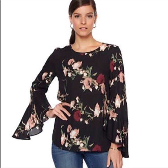 b3111b026af1 Vince Camuto Tops | Floral Print Bell Sleeve Blouse | Poshmark